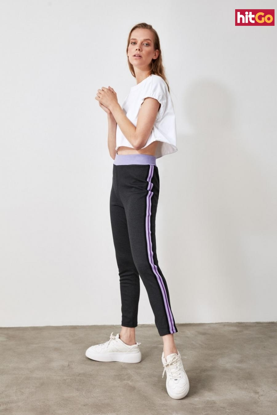 Trendyol Knitted Trousers with Anthracite Stripes dámské XS