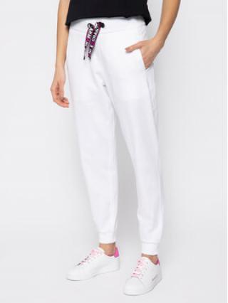 Armani Exchange Teplákové kalhoty 3HYP88 YJ76Z 1100 Bílá Regular Fit dámské S