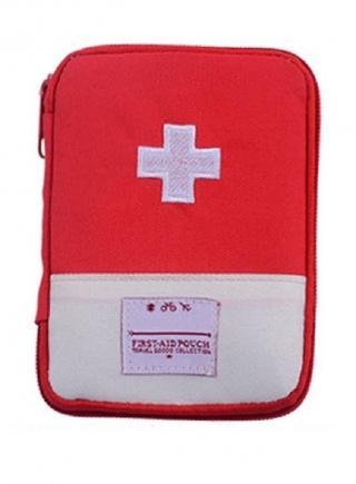Cestovní pouzdro na léky Barva: červená