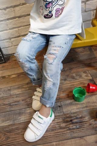 Chlapecké roztrhané džíny Velikost: 2
