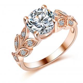 Dámský snubní prsten se zirkonem Barva: zlatá, Velikost: 6