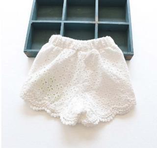 Dívčí krajkové kraťasy - 3 barvy Barva: bílá, Velikost: 2