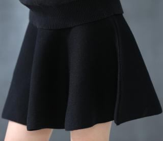 Dívčí sukně s vysokým pasem - 2 barvy Barva: černá, Velikost: 2