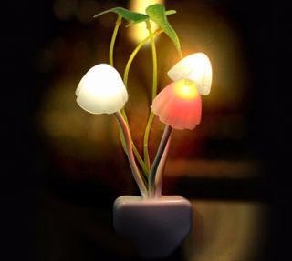 Noční světlo do zásuvky ve tvaru houby