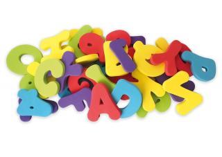 NUBY Písmena a číslice do koupele 36 ks 12m   mix barev
