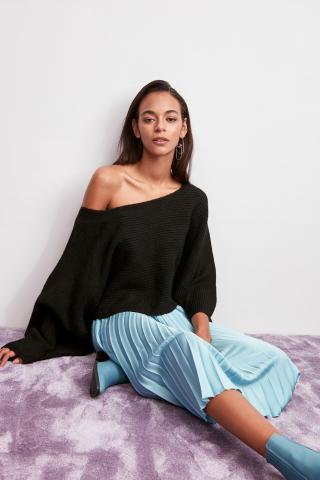 Trendyol Black Boat Collar Knitwear Sweater dámské S