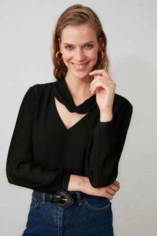 Trendyol Black Collar Detailed Blouse dámské 34