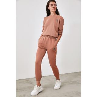 Trendyol Cinnamon Embroidered Jogger Knitted Tracksuit bottom dámské XS