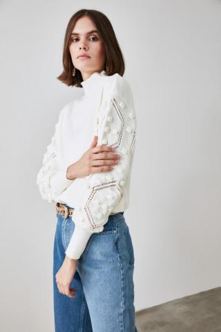 Trendyol Ekru Arm Pompom Detailed Knitwear Sweater dámské Ecru S