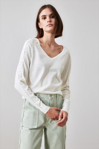 Trendyol Ekru Güpür Detailed V Collar Knitwear Sweater dámské Ecru L