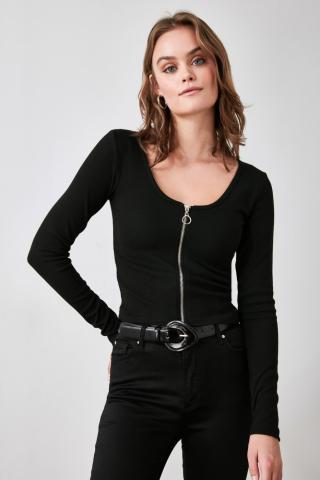 Trendyol Knitted Blouse with Black Zipper dámské S