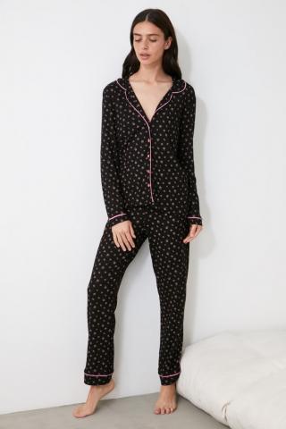 Trendyol Knitted Pajama Set with Black Floral Pattern dámské S