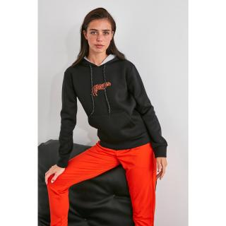 Trendyol Knitted Sweatshirt with Black Print and Hood dámské S