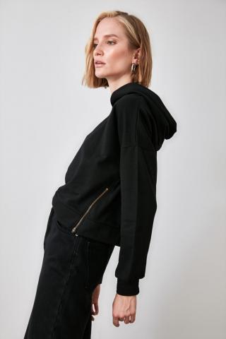 Trendyol Knitted Sweatshirt with Black Zipper Detailing dámské XS