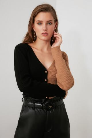 Trendyol Knitwear Cardigan with Black Block Button dámské S