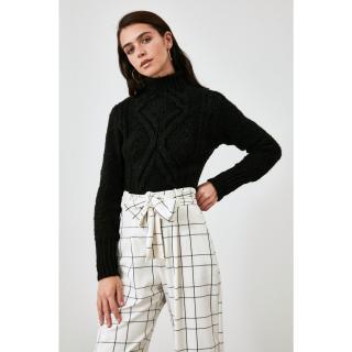 Trendyol Knitwear Sweater WITH Black Knitting Detail dámské M
