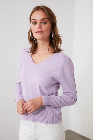 Trendyol Lila Güpür Detailed V Collar Knitwear Sweater dámské Lilac S