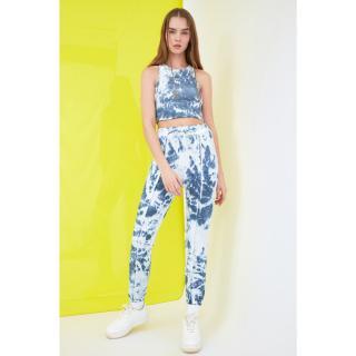 Trendyol Navy Blue Batik Patterned Jogger Knitted Tracksuit bottom dámské M