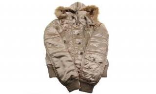 Zlatá bunda s kapucí